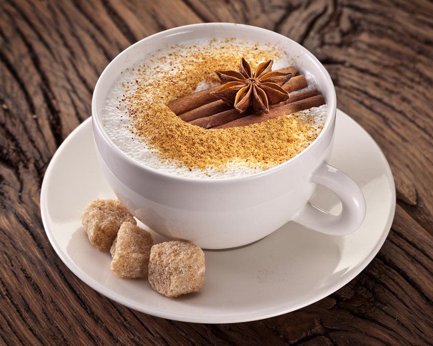 Kawa z cynamonem,