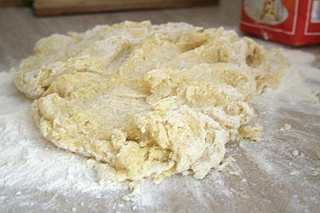 Wyrabiamy ciasto na knedle